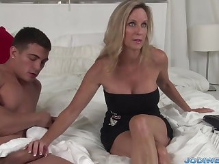 Provocative Nerve-racking Mommy Smooches Her Junior School With Humungous Man Sausage