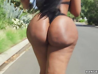 Fat ass ebony Victoria Cakes