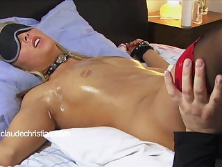 Tied blonde with wimp wet pussy licked back orgasm