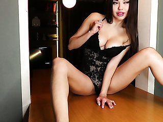 Depraved big-busted Ukrainian babe Li Moon is all alone and enjoys her solo