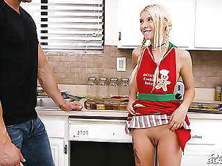 Lying on the scullery counter girlfriend Kenzie Reeves gives this point blowjob