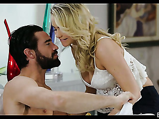 Curmudgeonly hottie Mia Malkova takes dick in her shaved pussy early in someone's skin morning