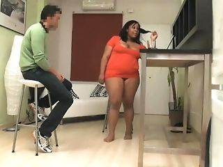 Youthfull Hustler Comes To obese ebony Housewife For hump joy sex tube